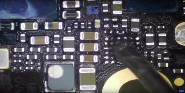 iPhone lädt nicht mehr: Reparaturvorgang